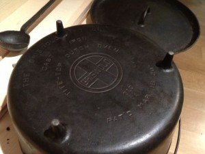 Griswold-Dutch-Oven2-300x225