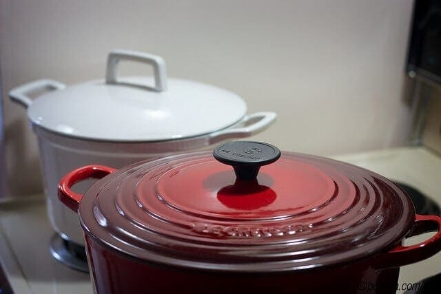 Le Creuset Signature Enameled Cast-Iron 5-Quart