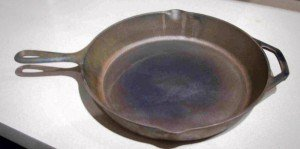 how-to-restore-cast-iron_bare-pan_1-300x149
