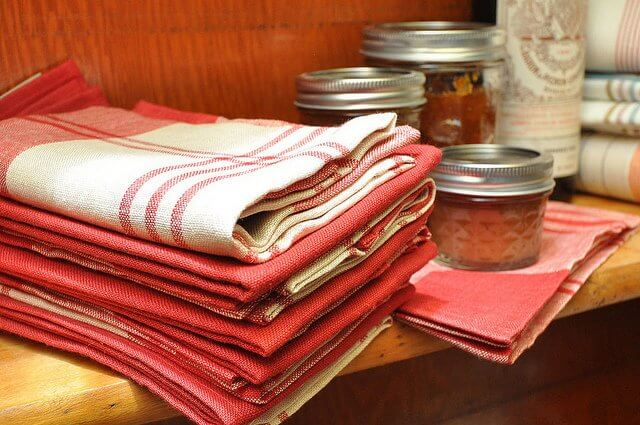 Be ready for any drips and spills with clean, odor-free kitchen towels!