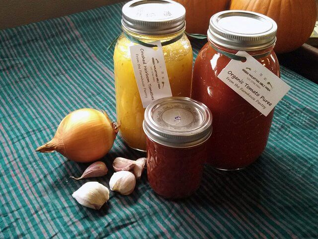 Instead of buying your cousin another pair of socks, give them home-canned sauce for the holidays!