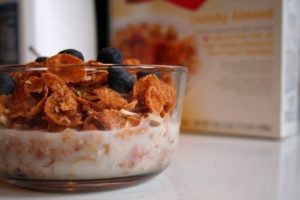 Avoid an unpleasant bowl of stale cereal with a convenient air-tight container!