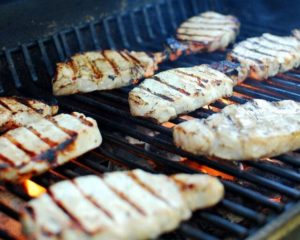 Wondering how to grill pork chops? Wonder no more!