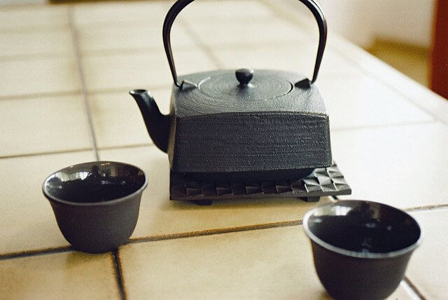 A beautiful cast iron tea set. Now I want some jasmine green tea. Don't you?