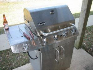 The shinier the stainless steel grill, the more you'll use it. Learn how to keep yours sparkling!