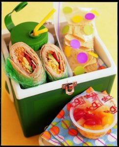 Pack all kinds of cold lunches with the right lunch box!