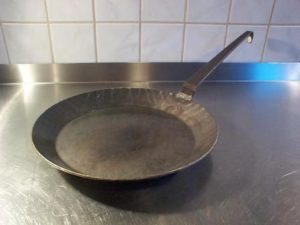 carbon steel cookware for high heat cooking