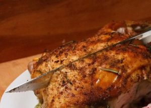 Cut up your chicken with ease with the right kind of kitchen knife!